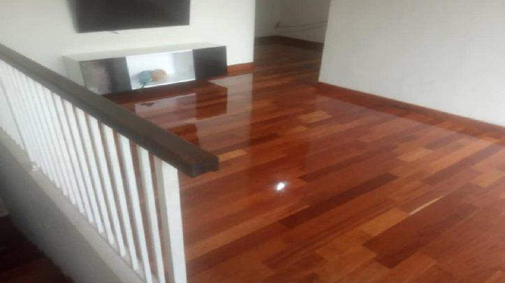 harga lantai kayu rumah