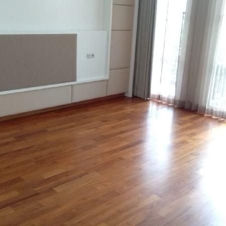 rumah lantai kayu jati