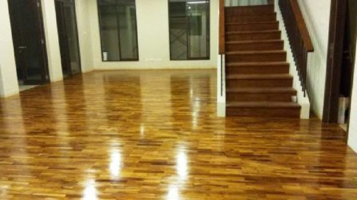 lantai kayu rumah jati